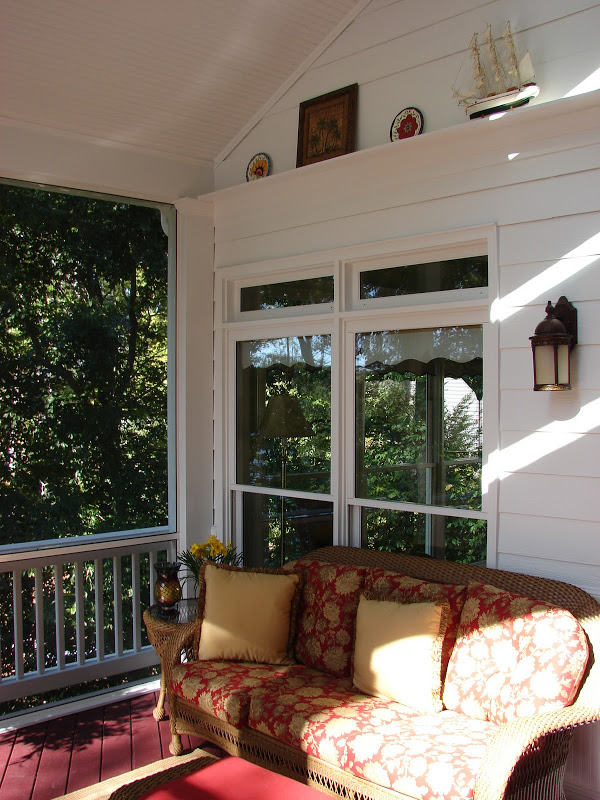 Screened-in-Porch-Interior-StoneyBrooke-Homes-Inc