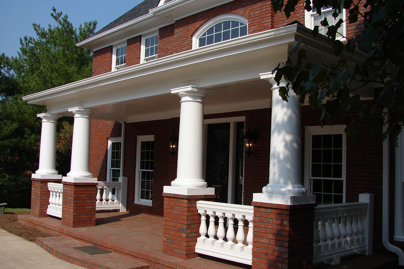 front-portico-stoneybrooke-homes-inc